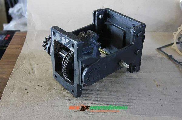 Редуктор промежуточный с навесным механизмом (к трактору DW120 / DW120B)