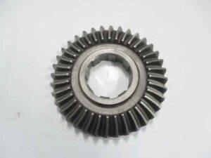 Шестерня угловая ДТЗ 576Д (z=36, косой зуб)
